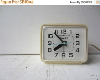 ON SALE Vintage Timex Alalog Alarm Clock - Made is USA - Cream - Yellow - Green Second Hand