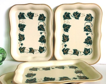 Vintage Green Holly Social Supper Mini Snack Trays