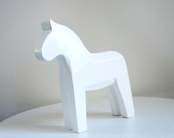 White Wood Dala Horse Figurine, Customizable Horse Figurine, Large Dala Horse, Jewelry or Photo Prop, Craft Supply, Swedish Christmas Decor