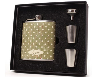Personalized flask gift set for women with shot cups, funnel and gift box // Avacodo