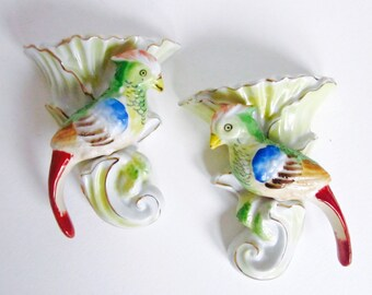 Bird Wall Pockets Parrots Vase Porcelain Wall Decor Vintage Hand Painted Made in Japan 1950s Set of 2