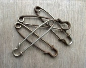 Vintage Kilt or Skirt Pin / Large Vintage Safety Pin / Heavy Duty Metal Safety Pin / Steampunk Accessory / Assemblage Mix Media Supplies