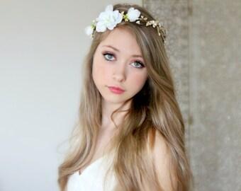 Sweet wedding flower crown, bridal headpiece, wedding flower crown, ivory Flower crown, rustic head wreath, wedding headband, bridal hair