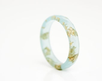 eco resin ring size 9 - multifaceted pale seaglass colour with metallic gold leaf