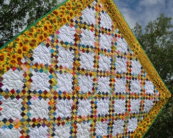 Sunflower Quilt, Golden Yellow Green Patchwork Quilt, Lap Blanket, Sofa Throw, Country Quilt, Summer Blanket