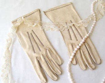 Vintage Gloves Tan Deerskin Leather Gloves Ladies Size 6 3/4 Soft Buttery Leather 1960s