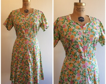 1960s does 1940s Zip Front House Dress 40s 60s Green Floral