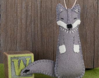 Wolf Sewing PATTERN, Felt Ornament Pattern, Felt Wolf, Woodland Animal, Forest Friend, PDF Sewing Pattern, Gift Topper, DIY Handmade Gift