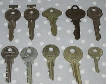 Lot of 10 Vintage Ornate Keys Russwin Master FORD Yale Junior