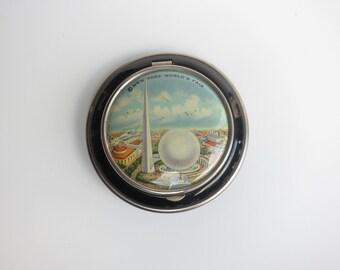 New York World's Fair Compact, Vintage 1939/1940 Compact