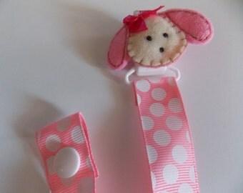 Girls / boy Puppy pacifier holder pacifier clip binky clip  pig,   Binky holder pacifier  holder  felt pacifier holder    Baby pacifier