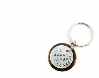 Library Gift - I Read Banned Books Keychain for Reader, Librarian, Bookworm