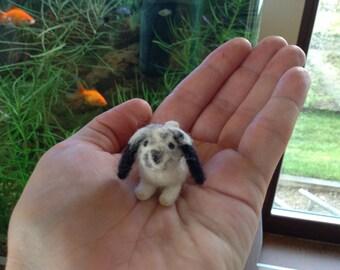 Felt rabbit, felted rabbit, rabbit miniature, needle felted rabbit