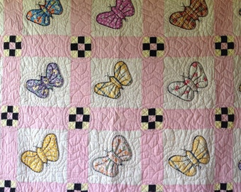 ANTIQUE Vintage BUTTERFLIES Quilt Excellent ~ SWEET!
