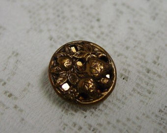 Antique Metal Button Strawberries, 9/16""