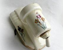 Vintage Light Socket-Replacement Light FIxture Parts- Floral- Porcelain- Single Bulb- Pull Cord