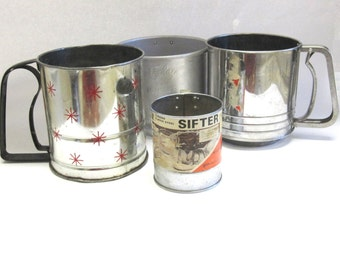 Flour Sifter Action Maid Foley Androck Red Snowflake Design Set of Four 4