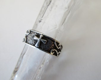 vintage sterling silver ring- cross, Christian, ornate, band, size 7.5