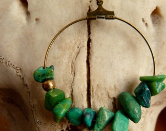 Minimalist ,Chrysocolla  chips gemstone and antique brass hope  necklace