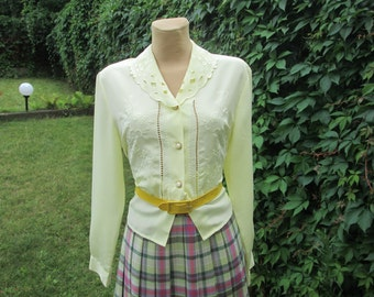 Womens Blouse / Buttoned Blouse / Yellow Blouse / Embroidery / Size EUR40 / UK12,