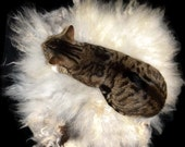 Cat Bed Sheep-friendly Wool Fleece Felted Rug - Navajo Churro White Silver - Supporting US Small Farms