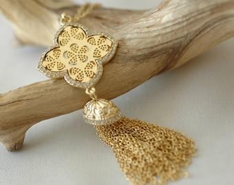 SALE - Clover Necklace, Crystallized Clover, Tassel Necklace, Metal Tassel and Clover necklace, Long Necklace, Gift for her, Flower Tassel