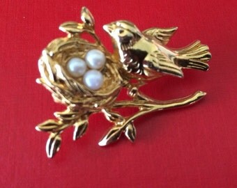 Gold Plated Bird With Nest and Pearl Eggs Tac Pin