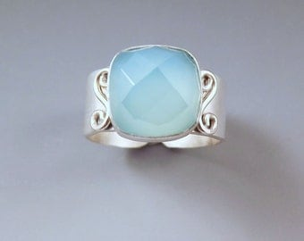 Blue Chalcedony- Faceted Gem- Hammered Silver- Sterling Silver Ajustable Ring