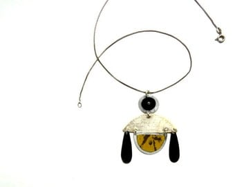 Sweet Bee Necklace