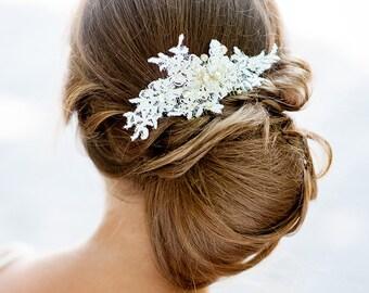 Vintage wedding lace hair piece. Bridal lace hair comb. Handmade bridal lace hair piece. Wedding hair comb. Wedding head piece.