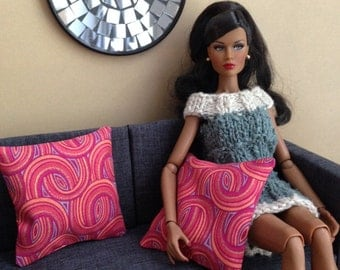 Set of 2 groovy 60s pillows in red and orange tones for one sixth scale dioramas
