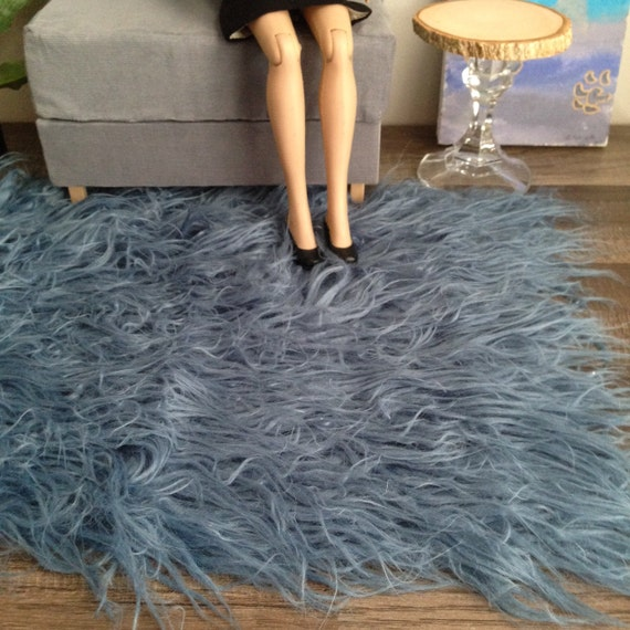 1:4 Scale Large Faux Fur Shaggy Rug In Blue For Dioramas For