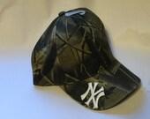New York Yankees MLB Logo Camo Hunting Hat New