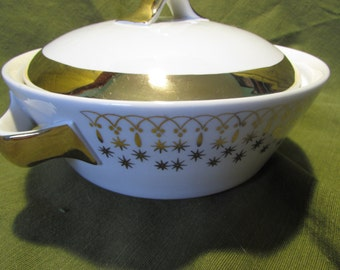 Hall Pottery Flame Ware Casserole Dish - White with Gold Accents - Snowflake Pattern - Casserole Dish
