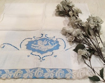 Vintage Cherub Lace Embroidered and Cutwork Dish Towel Tea Towel, Vintage Linens, Vintage Cherubs, Vintage Lace