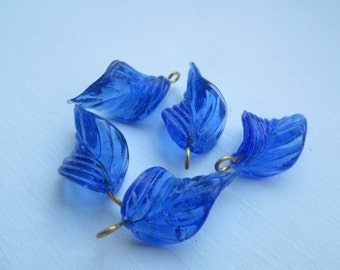 Sapphire Wired Glass  Leaf Charms Pendants Drops 5Pcs.