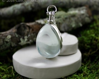 Valentines Day Sale - Sterling Silver and Glass Teardrop Vintage Locket with 18 Silver Inch Chain