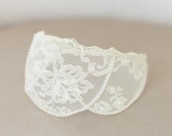 Ivory Lace Cap, Ivory Headpiece, Vintage Lace Headband, Ivory Lace Crown, Princess Grace Ivory Veil Cap, Wedding Headpiece - STYLE 31
