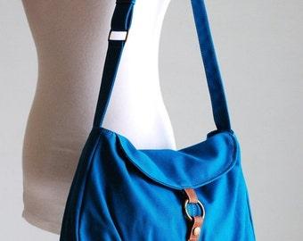 Back To School SALE 30% - Fortuner-S in Teal / Centre Zipper Pocket / Purse / Laptop / Shoulder / Messenger Bag /Diaper Bag/ School Bag/ Wom
