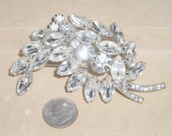 Vintage Large Brooch With Clear Crystal Rhinestones Rhodium Plated  1940's Jewelry 2058