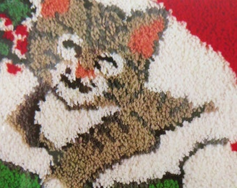 Vintage Christmas Cat Latch Hook Rug Kit, Gray Tabby Cat in Santa's Cap, 18 in x 24 in, National Yarn Crafts XR91, New Old Stock