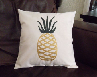 Hand painted Pineapple pillow 14X14 pillow form included