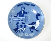 Porsgrund Norway Mother's Day 1971 Mors Dag Small Wall Plate - Boy Feeding Goose w/ Goslings