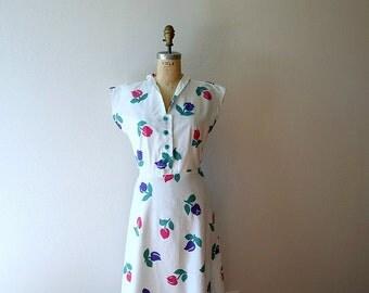Vintage 1940s 1950s dress . tulip print dress