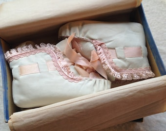 Sweet Vintage Soft Leather Baby Booties