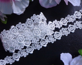 Venise Lace 5/8 inch wide ivory color selling by the yard