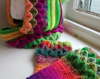 Handmade crochet cowl / snood and glove set welsh made crocodile stitch