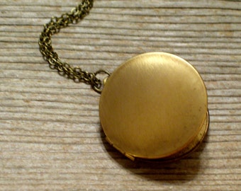 Vintage Brass Locket, Keepsake Locket, Photo Locket, Unisex Locket, Round Brass Locket, Pendant Necklace, Love Locket, Brass Pendant
