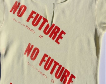 Sex Pistols T-shirt - Punk - Sid Vicious - NO FUTURE - Anarchy -Tshirt -Top - Tee - womens - XS Small 34 32 -slits- thin - yellow - cotton