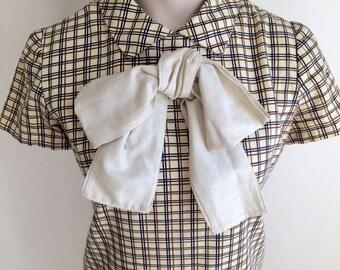 Vintage 1960s Beige Brown Short Sleeved Plaid Dress 4 6